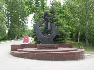 памятник малолетним узникам фашизма г. Саратов